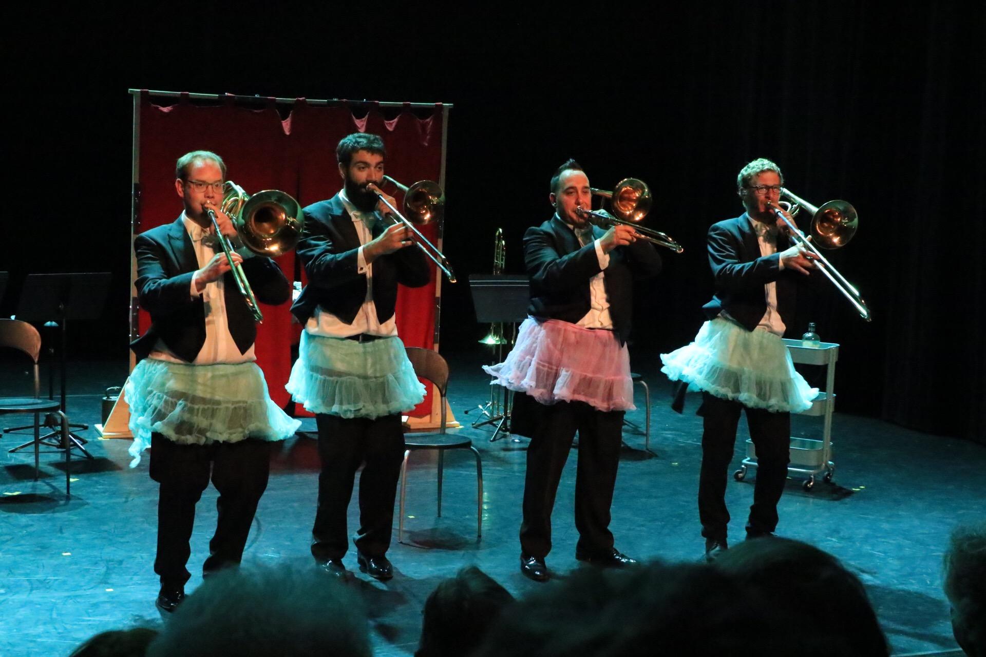Moya Trombones Show